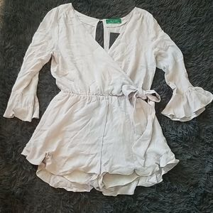 SIGNATURE 8 LIGHT GRAY ROMPER